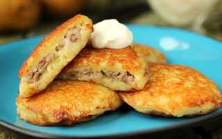 Драники из молодой картошки с рубленной курицей – пошаговый рецепт с фото. Как приготовить