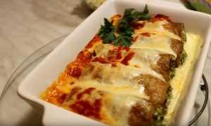 Запеченные блины под томатно-сметанном соусом – пошаговый рецепт с фото – для духовки